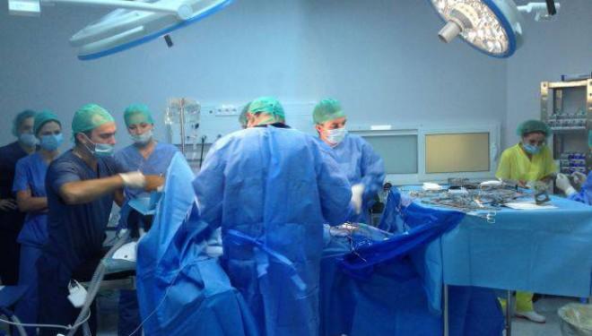 Cea mai complexă proteză de hemibazin montată vreodată în România, operaţie efectuată la Braşov