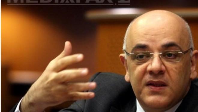 Doctorul Raed Arafat pune bazele unei fise a pacientului transmisa in UPU.