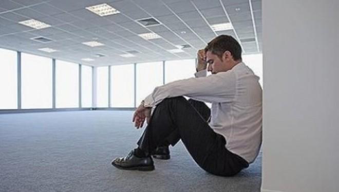 Depresia provocată de stresul de la serviciu și ritmul de viață agitat, tot mai întâlnită la români