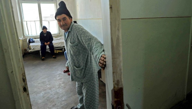 Imprumuturi pe numele pacientilor! Va puteti imagina asa ceva?  Se intampla intr-un spital din Romania