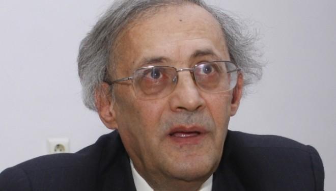 Scandal la UMF Iasi: Vasile Astarastoae demisioneza din functia de rector