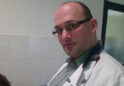 Medicul cardiolog Dan Fărcaș începe luni greva foamei din cauza bătăii de joc la care este supus de peste 15 ani