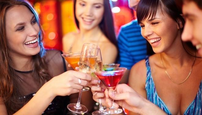 Este oficial! Alcoolul ne ajută să vorbim o limbă străină mai bine.