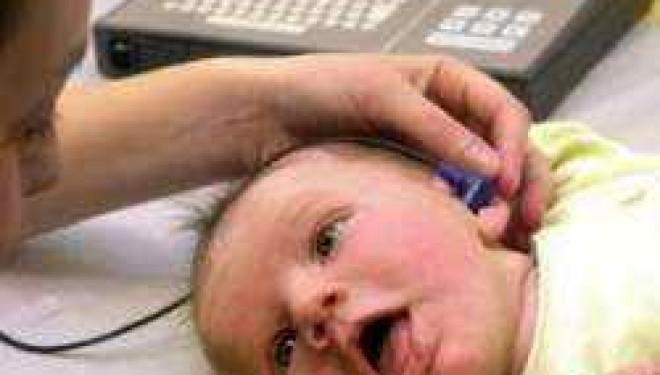 Sapte spitale din tara vor fi dotate cu aparatura de testare a auzului la nou-nascuti