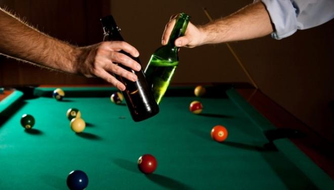 Bere + biliard = combinatie excelenta pentru sanatate. De ce spun expertii ca trebuie incurajata?