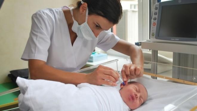 Viitorii parinti incep sa inteleaga tot mai mult importanta efectuarii screening-urilor la nou-nascuti pentru depistarea unor posibile afectiuni congenitale.