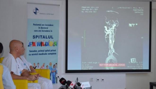 Premiera medicala nationala: embolizare cerebrala prin dublu abord vascular