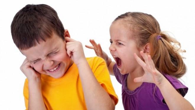 Lipsa de comunicare si afectiune conduc la agresivitate in randul copiilor