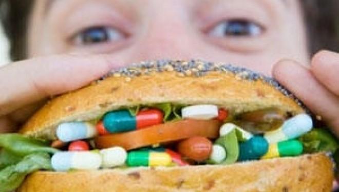 Automedicația este un fenomen îngrijorător, 3 din 4 români se tratează fără a consulta medicul de familie.