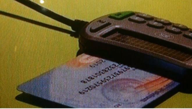 Cardurile de sănătate sunt bolnave! 14.000 de pacienți au primit bucăți de plastic nefuncționale