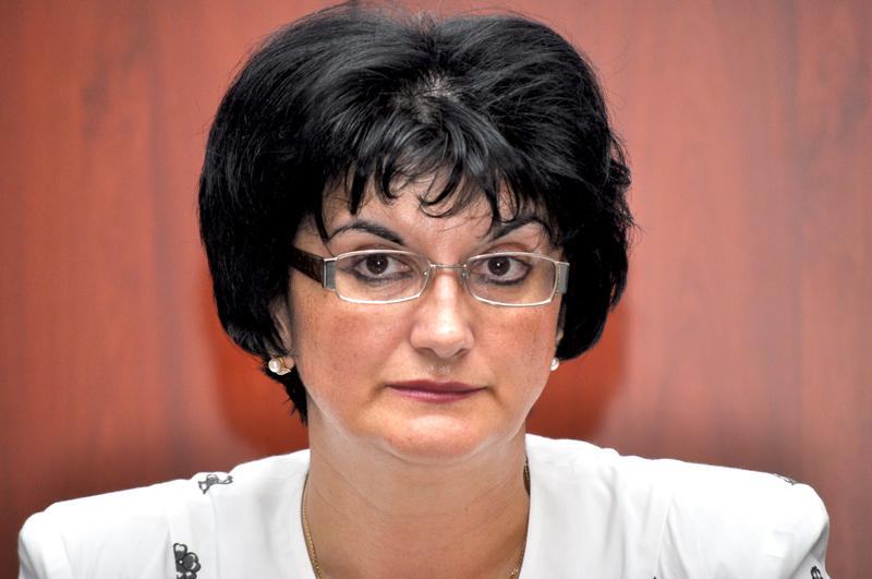 dr. Laura Condur