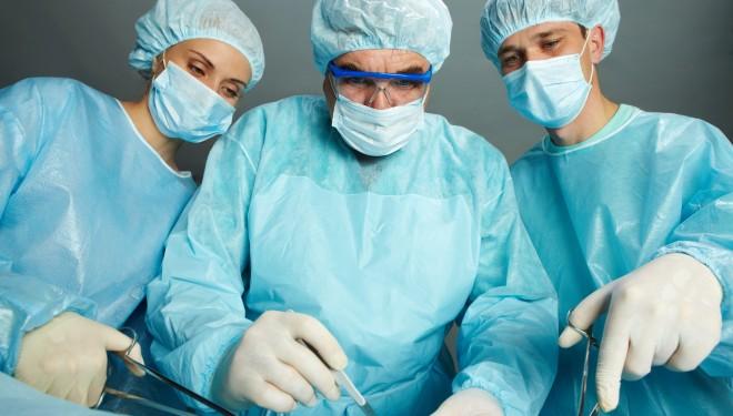 Doctorii anunță masuri RADICALE: Nu vor mai intra în sălile de OPERAȚIE și amână intervențiile chirurgicale care NU sunt URGENȚE.