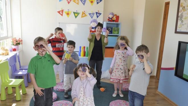 """Expert în educație: """"Bebelușii au capacitatea de a învăța, în același timp, două limbi"""""""