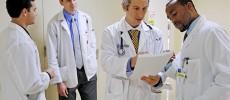 Proiect. Parlamentarii vor să-i oblige pe absolvenţii de Medicină să lucreze minim 5 ani în România