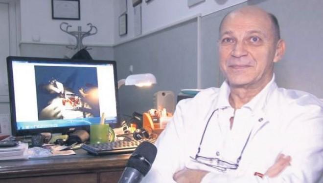 Doctorul clujean Dan Nicolau marginalizat în România din cauza vârstei, a fost primit cu brațele deschise în Ungaria
