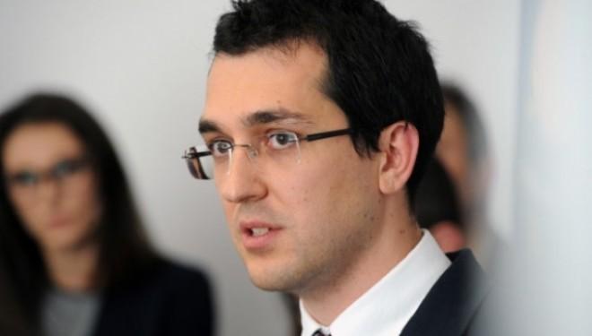 Vlad Voiculescu: Un medic care a pus la îndoială autoritatea lui Mihai Lucan a fost lovit și amenințat