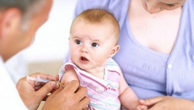 România se confruntă în prezent cu o scădere a acoperirii vaccinale împotriva principalelor boli transmisibile, nivelul fiind mult sub cel indicat de OMS.