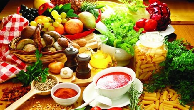 Doctor Simona Tivadar: Postul înseamnă mai multă asceză, mâncare puţină, făcută în casă. Dacă postul vă îmbolnăveşte, vă îngraşă, lăsaţi-i pe alţii să-l ţină