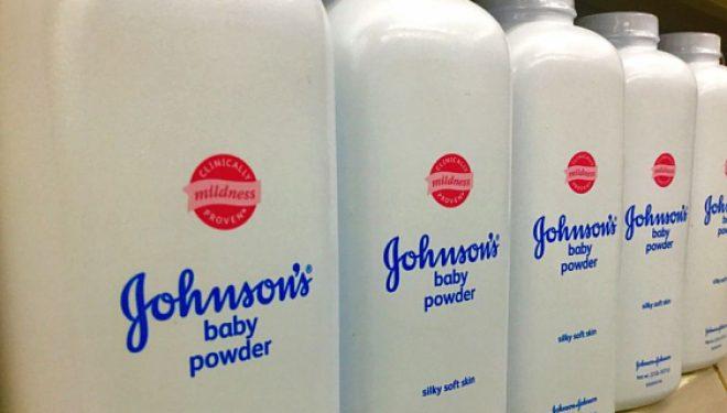 Pudra de talc ar fi cancerigenă. O nouă condamnare pentru Johnson & Johnson