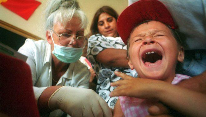 Sute de părinți din Oltenia au refuzat vaccinarea copiilor