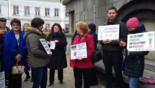 Proteste la Cluj! Medicii de familie amenință cu GREVA GENERALĂ