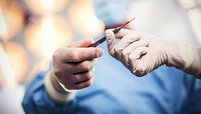 Situatie infioratoare in spitale: Operatii amanate din cauza lipsei atei chirurgicale si manusilor