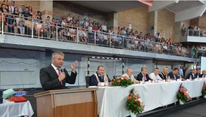Şomerii lui Bodog: Ministrul orădean al Sănătăţii a băgat în şomaj o zecime din medicii promoţiei 2017