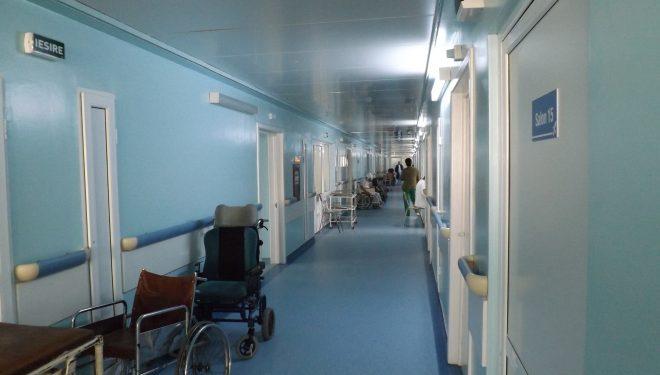 Un paznic de spital anunță că demisionează și face dezvăluiri: Văd zilnic bătaia de joc față de bolnavi