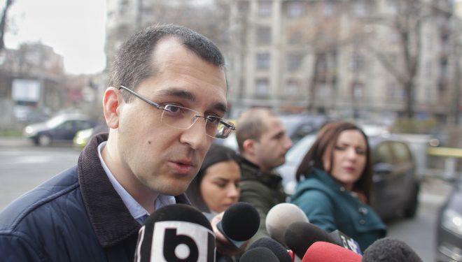 """Vlad Voiculescu: """"Ordonanța lăcomiei"""" ar putea scădea veniturile pentru jumătate din angajații în sănătate"""