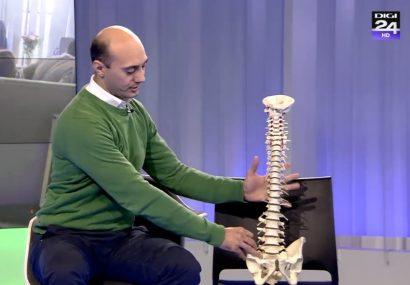 VIDEO. Ce se întâmplă cu coloana atunci când stăm la birou? O demonstrație practică