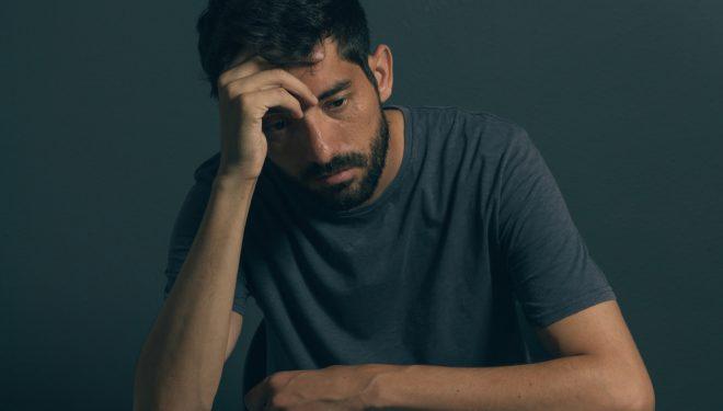 Durerile de cap pot anunța un accident vascular cerebral. Când trebuie să te duci la doctor