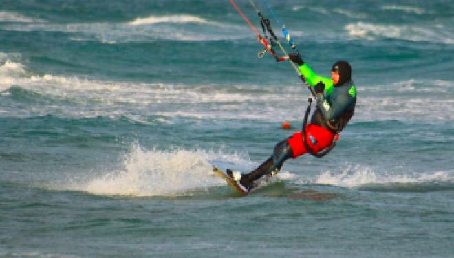 """Medic: """"A crescut numărul accidentărilor la sporturile pe plajă"""". Care este cel mai sigur şi mai sănătos tip de mişcare"""
