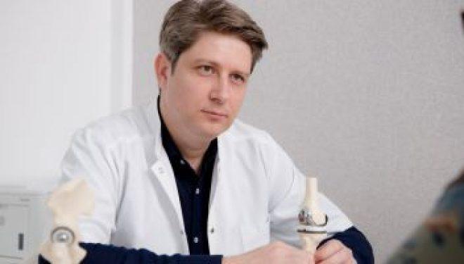 """Dr. Robert Apostolescu, chirurg ortoped: """"În operaţia minim invazivă de protezare a şoldului, nu tăiem muşchiul şi nu stricăm nimic"""""""
