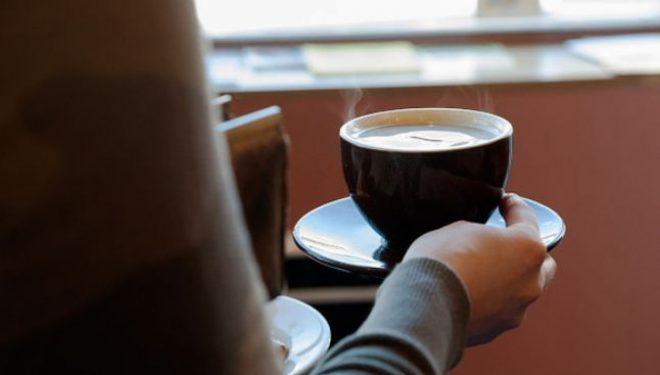 O cafea îngraşă? Câte calorii are băutura ce energizează simţurile