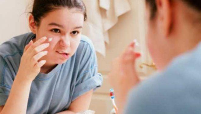 Ai acnee, ţi se rup ungiile, iţi cade parul şi ai dureri de stomac şi de cap? Ce deficiente uriaşe ai în corp