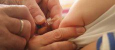 Plângere la DNA. Ministerul Sănătăţii, acuzat că a achiziţionat un alt vaccin antigripal decât cel care trebuie