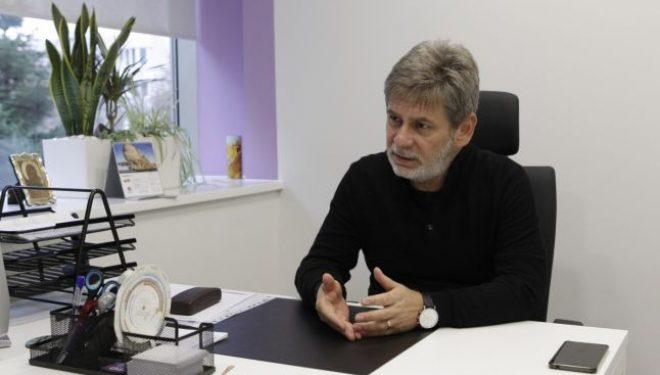 """Dr. Bogdan Slăbescu, medic primar endocrinolog:  """"Văd doamne pe la 40-43 de ani care intră la menopauză"""""""