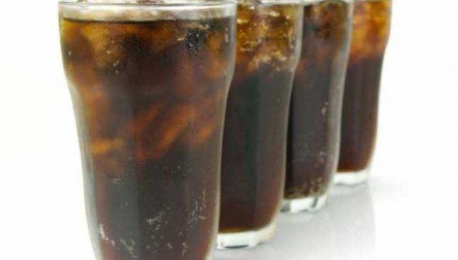 Ce se întâmplă în corpul tău la doar câteva minute după ce bei sucuri carbogazoase
