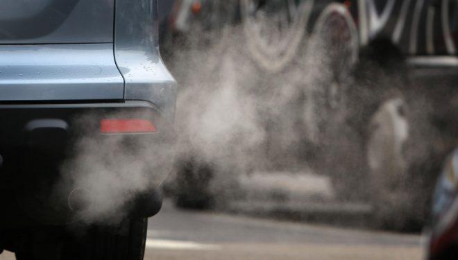 Românii pierd opt luni din viață din cauza poluării – Studiu