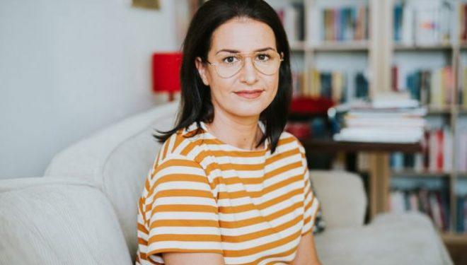 Éva Szentesi: Au chemat-o pe mama la spital şi i-au spus: cel mult o lună. Nu se poate face nimic