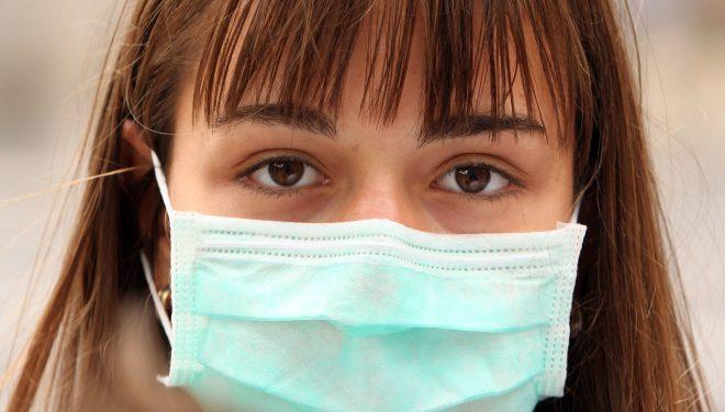STB începe, de vineri, să distribuie măști medicale către călători