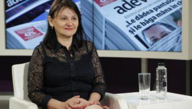 """Dr. Viviana Iordache, dermatolog: """"În afară de distanţa între ochi, restul trăsăturilor pot fi modificate"""""""