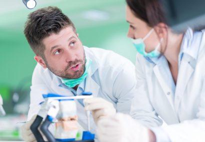 Boloș: Stimulentul de risc pentru personalul medical va fi de 2.500 de lei; vor beneficia 75.000 de cadre medicale