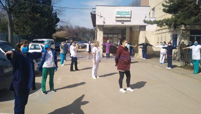 Protest la Maternitatea Botoșani faţă de intenţia de a transforma secţia în spital pentru pacienţii cu COVID-19