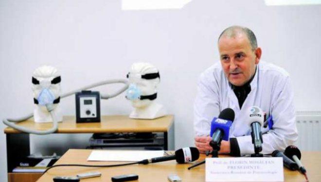 COVID-19. Pneumologul Florin Mihălţan: Ce să ştie astmaticii care iau tratament inhalator şi fumătorii cu tuse veche