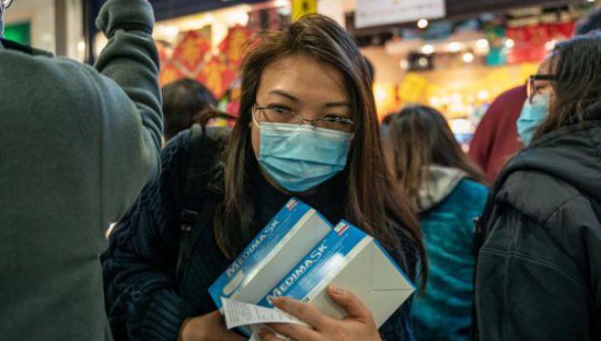 Nou studiu supus analizei la Casa Albă: coronavirusul ar putea fi răspândit în timpul vorbirii sau doar prin simpla respiraţie