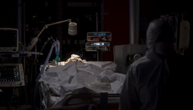 Șefa Unității de Primiri Urgențe de la Spitalul Fetești a murit după ce s-a infectat cu noul coronavirus. Avea 48 de ani