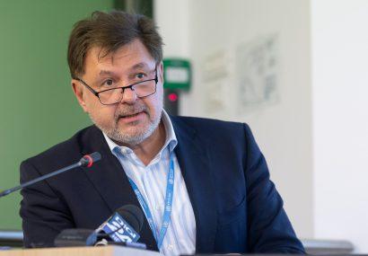 """Prof. Alexandru Rafila: """"Nu cred că o să ajungem la 10.000 de cazuri noi pe zi"""". Când ar fi necesară reimpunerea stării de urgență"""