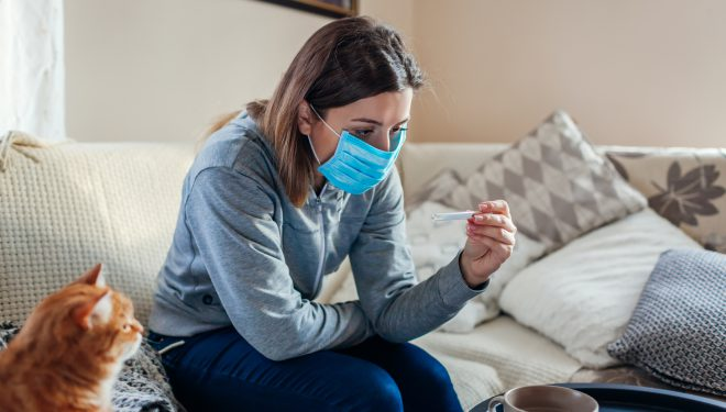 Ce trebuie să faci dacă ai fost testat pozitiv pentru coronavirus sau bănuiești că ești contaminat