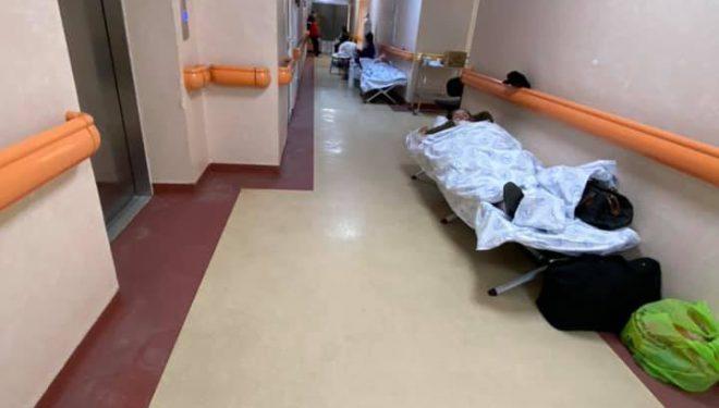 Imagini dramatice la Institutul Balș: pacienții nu mai au loc în saloane și primesc oxigen în paturi improvizate pe hol